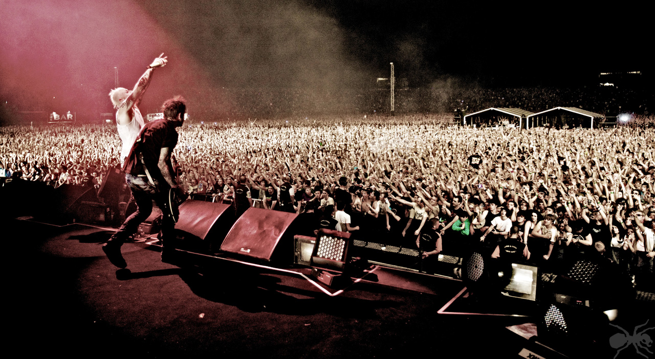 The-Prodigy-Make-NME-Top-Greatest-Concert-Films-Ever.jpg